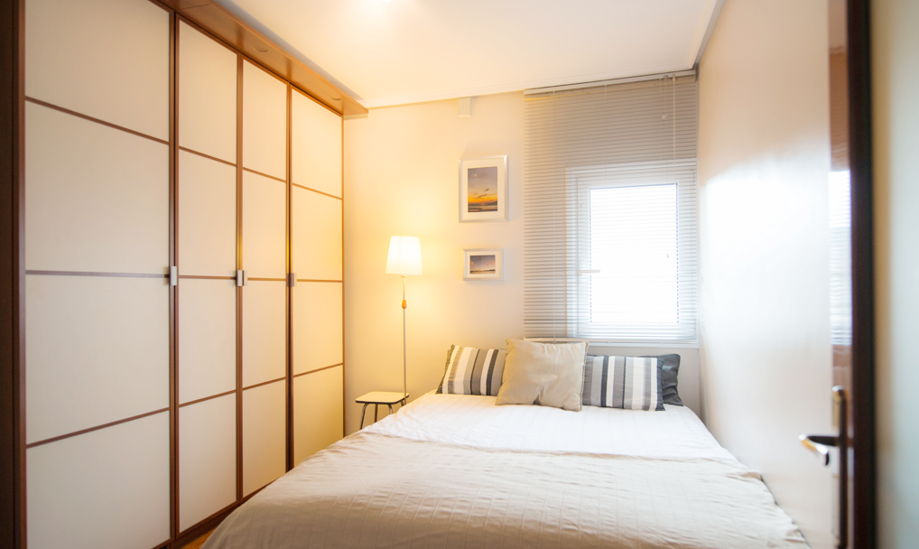 Zona bolueta habitaci n h1 doble uso pareja habitaccion for Decoracion piso 1 habitacion