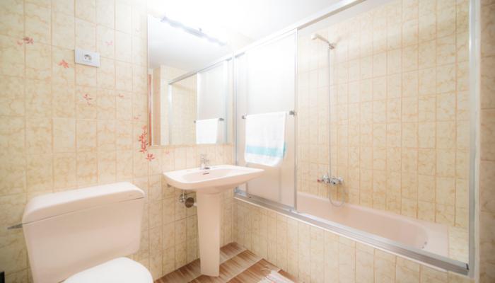 Baño-1-piso-begoña-habitaccion