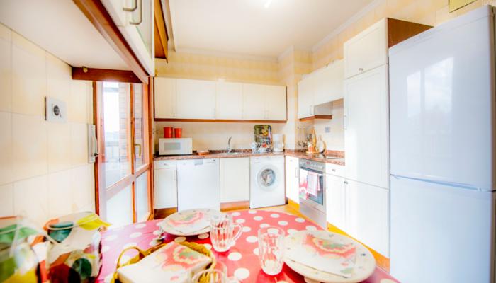 Cocina-1-piso-begoña-habitaccion